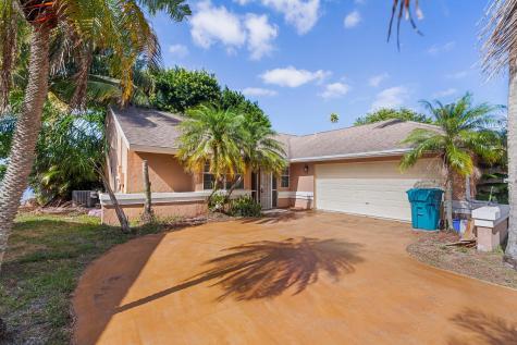 1804 Edgewater Drive Boynton Beach FL 33436