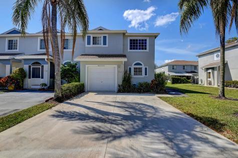 4754 Sw 14th Street Deerfield Beach FL 33442
