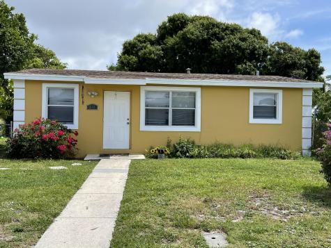 215 Nw 11th Avenue Boynton Beach FL 33435