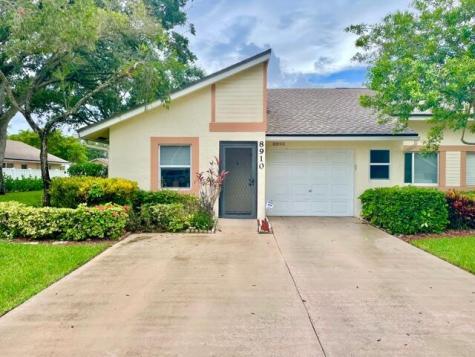 8910 Sunnywood Place Boca Raton FL 33496