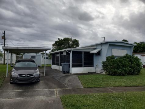 4250 Mockingbird Drive Boynton Beach FL 33436