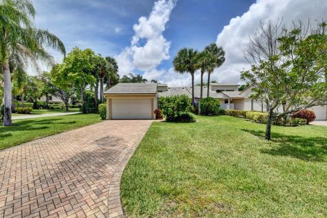 8 Eastgate Drive Boynton Beach FL 33435