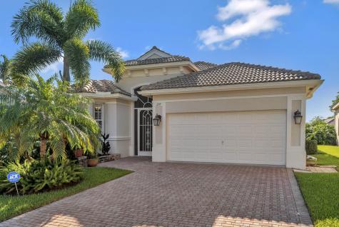 209 Palm Circle Atlantis FL 33462
