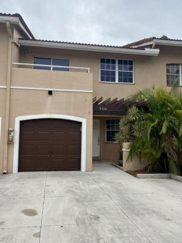 9516 Sw 1st Place Coral Springs FL 33071