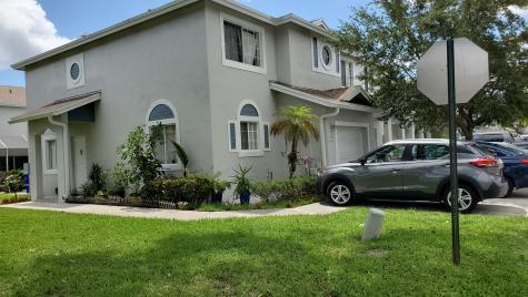 1102 Sw 44 Way Deerfield Beach FL 33442