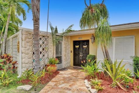 902 Sw 27th Way Boynton Beach FL 33435