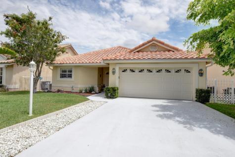 11121 Lakeaire Circle Boca Raton FL 33498