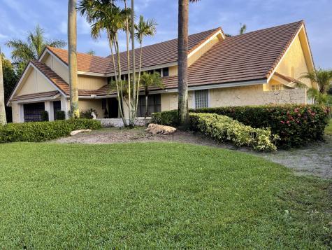 17604 Scarsdale Way Boca Raton FL 33496