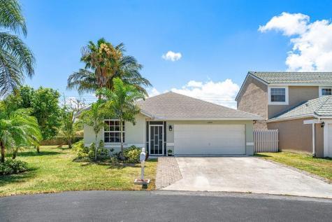 1049 Fairfax Circle Boynton Beach FL 33436