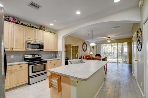 8135 Bellagio Lane Boynton Beach FL 33472