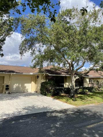 9975 Ligustrum Tree Way Boynton Beach FL 33436