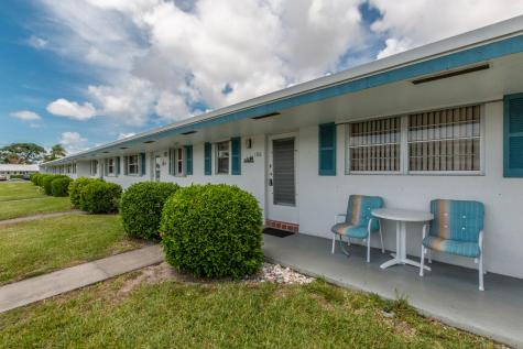 1119 Lake Terrace Boynton Beach FL 33426