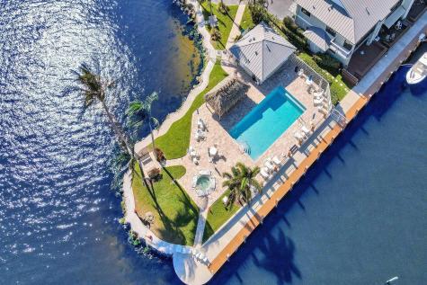 732 Ne 12th Terrace Boynton Beach FL 33435