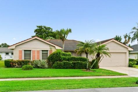 10626 Greentrail Drive Boynton Beach FL 33436