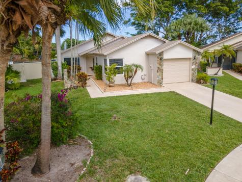 9043 Chatsworth Cascades Boca Raton FL 33434