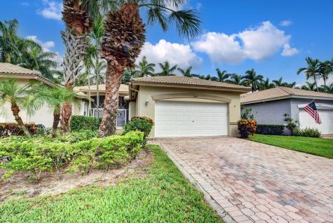 9767 S Crescent View Drive Boynton Beach FL 33437