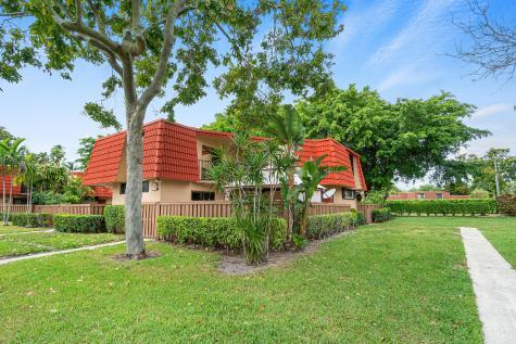 8237 Severn Drive Boca Raton FL 33433
