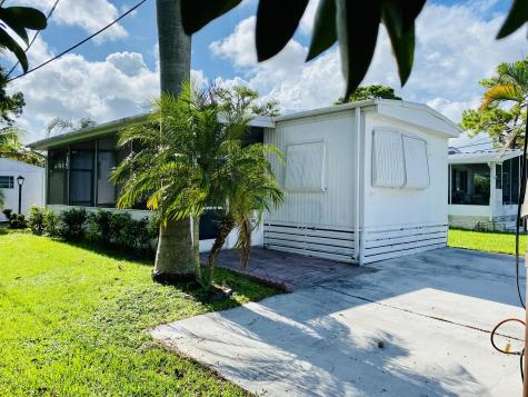 8813 40th Terrace Boynton Beach FL 33436