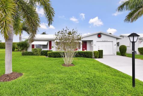 906 Sw 24th Street Boynton Beach FL 33426