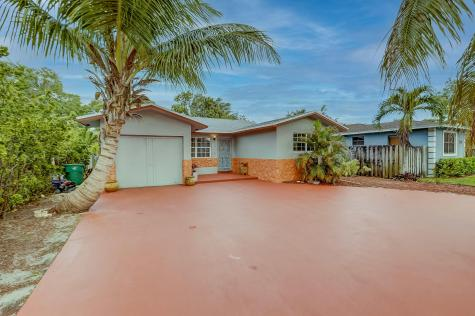 134 Nw 7th Avenue Dania Beach FL 33004