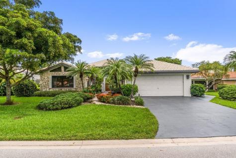 22 Estate Drive Boynton Beach FL 33436